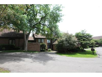 Bloomfield Twp Condo/Townhouse For Sale: 1870 Chipping Way