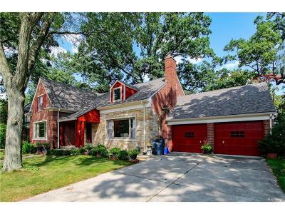 Pleasant Ridge Single Family Home For Sale: 126 Elm Park Avenue