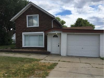 Sterling Heights Single Family Home For Sale: 2700 17 Mile Road