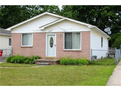 Clinton Twp MI Single Family Home For Sale: $120,000