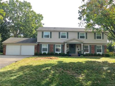 Bloomfield Twp Single Family Home For Sale: 2231 Lost Tree Way