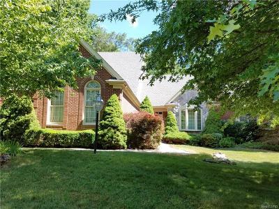Northville Single Family Home For Sale: 16142 Oakwood Court