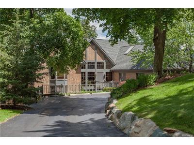Orchard Lake Single Family Home For Sale: 4470 Pontiac Trail