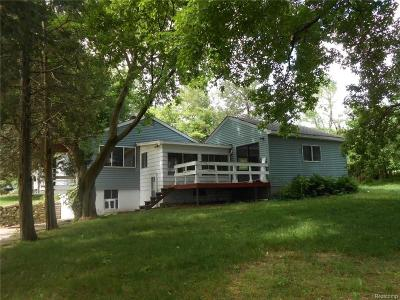 Addison Twp Single Family Home For Sale: 582 Lakeville Road