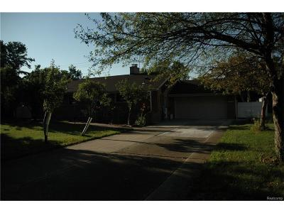 Dearborn Heights Single Family Home For Sale: 25546 Avondale Street