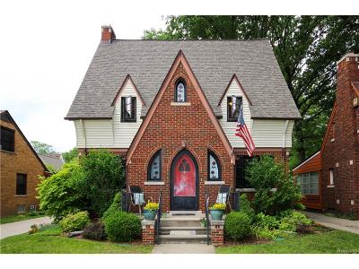 Pleasant Ridge Single Family Home For Sale: 7 Amherst Road