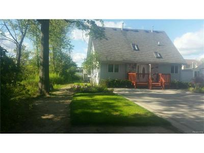 Wixom Single Family Home For Sale: 3066 Partridge Drive