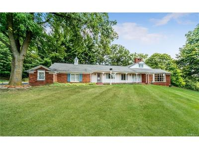 Farmington Hills Single Family Home For Sale: 35690 Knight