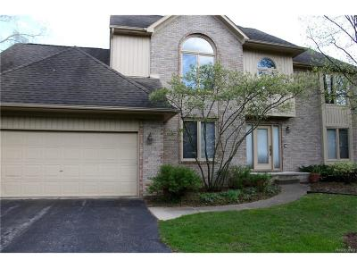 West Bloomfield Single Family Home For Sale: 2765 Elizabeth Lane