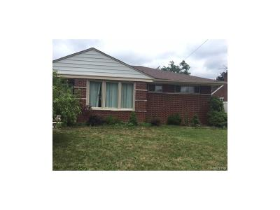 Dearborn Heights Single Family Home For Sale: 8358 Colonial Street