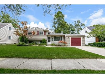Plymouth Single Family Home For Sale: 255 Burroughs Street