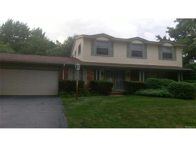 West Bloomfield Twp MI Single Family Home For Sale: $435,000
