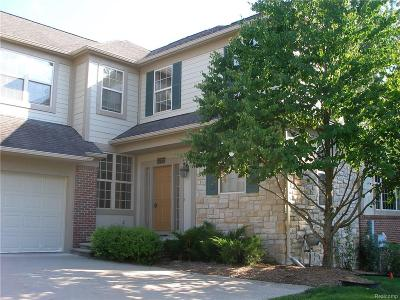 Rochester Hills Condo/Townhouse For Sale: 3772 Winding Brook Circle #16