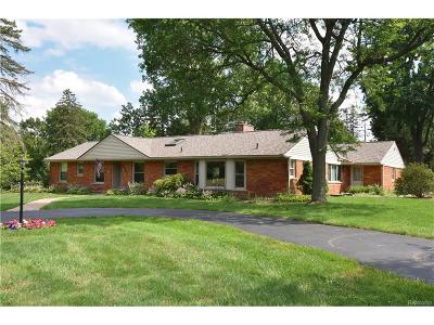 Bloomfield Twp Single Family Home For Sale: 3861 Wedgewood Drive