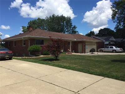 Dearborn Single Family Home For Sale: 25256 Fairway Drive