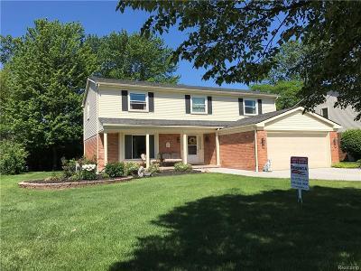 Livonia Single Family Home For Sale: 19643 Gary Lane