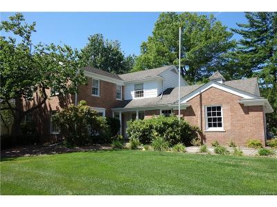Bloomfield Twp Single Family Home For Sale: 4454 Barchester Drive