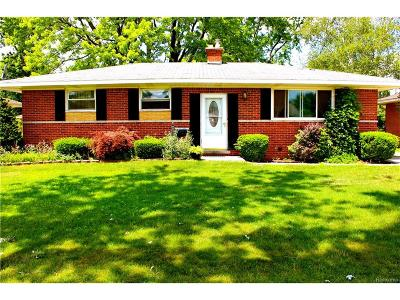 Sterling Heights MI Single Family Home For Sale: $149,500