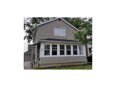 Berkley MI Single Family Home For Sale: $219,900
