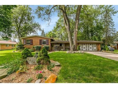 Farmington Single Family Home For Sale: 34145 Conroy Court