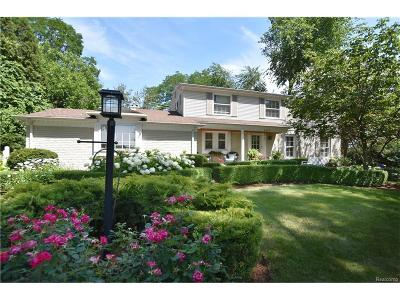 Bloomfield Twp Single Family Home For Sale: 6455 Golfview Drive