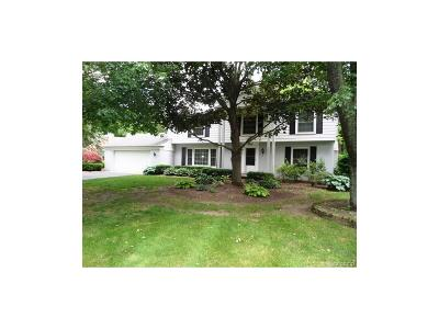 Bloomfield Twp Single Family Home For Sale: 960 Candlestick Court