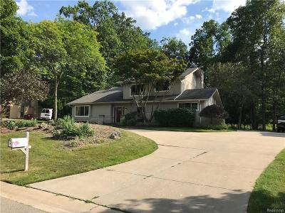 West Bloomfield Twp Single Family Home For Sale: 6064 Glen Eagles Drive