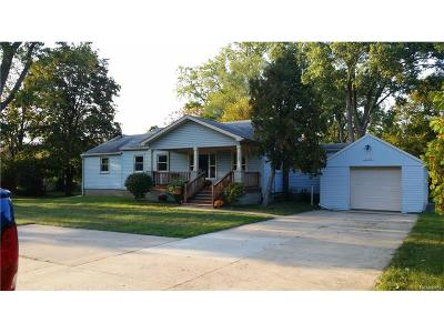 Van Buren, Van Buren Twp Single Family Home For Sale: 41190 Savage Road