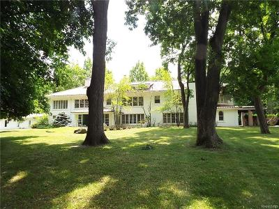 Farmington Hills Single Family Home For Sale: 34300 Lyncroft Street