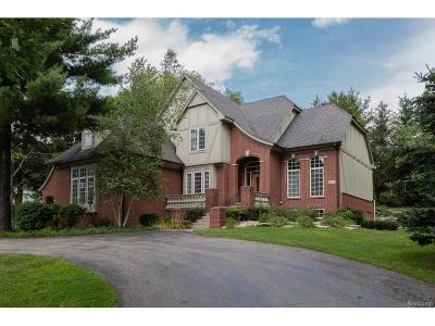 Bloomfield Twp Single Family Home For Sale: 4867 Old Post Court