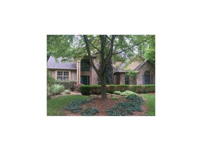 Wixom Single Family Home For Sale: 1485 Forest Bay Court