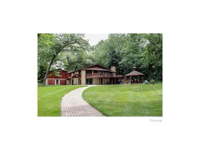 Waterford Twp Single Family Home For Sale: 3611 Clintonville Road