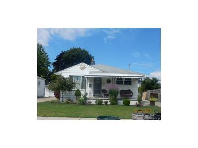 Eastpointe Single Family Home For Sale: 24689 Wilmot Avenue