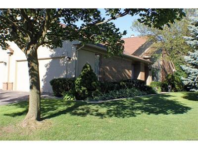 Rochester Hills Condo/Townhouse For Sale: 683 Tennyson