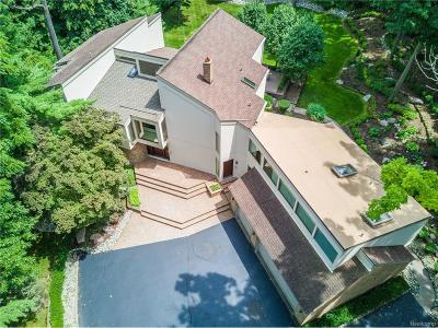Bloomfield Hills Single Family Home For Sale: 127 Manorwood Drive