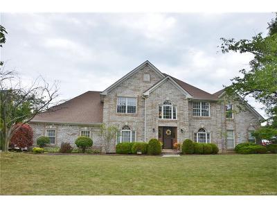 Grosse Ile Twp MI Single Family Home For Sale: $448,000