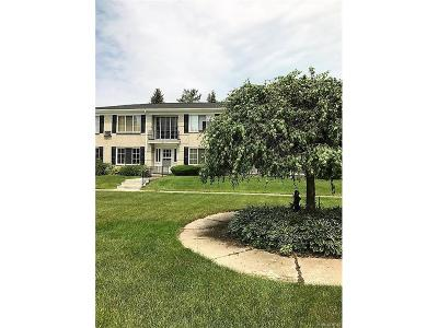 Bloomfield Twp Condo/Townhouse For Sale: 100 W Hickory Grove Road #1