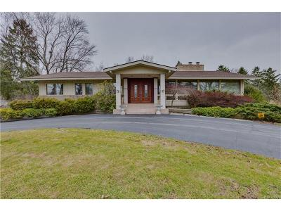 Bloomfield Twp Single Family Home For Sale: 2785 Ayershire Drive