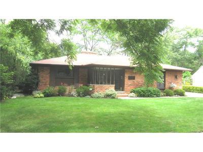 Farmington Single Family Home For Sale: 33718 Shiawassee