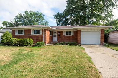 Livonia Single Family Home For Sale: 28555 Sunnydale Street