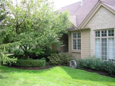 Bloomfield Twp Condo/Townhouse For Sale: 541 Cambridge Way #558