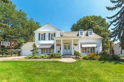 West Bloomfield, West Bloomfield Twp Single Family Home For Sale: 4559 Pine Village Drive