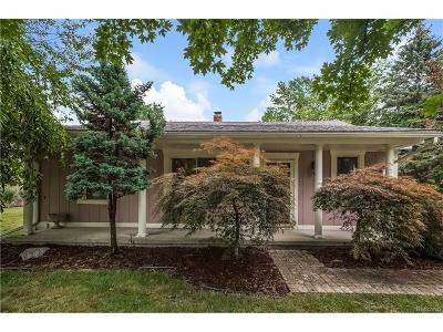 Northville Single Family Home For Sale: 15416 Park Lane