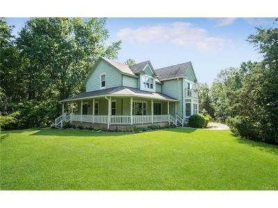 Milford Twp Single Family Home For Sale: 1798 Lone Tree