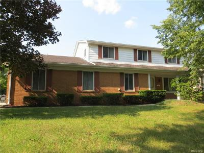 Troy Single Family Home For Sale: 70 Braemar Drive