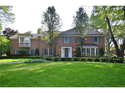 Bloomfield Twp Single Family Home For Sale: 2670 Covington Place