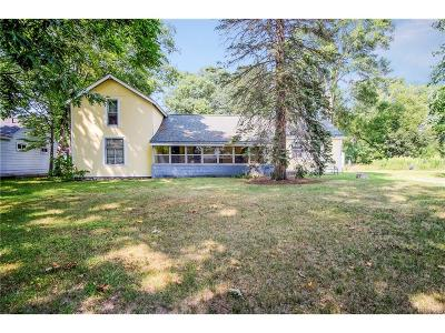 Waterford Twp MI Single Family Home For Sale: $99,900