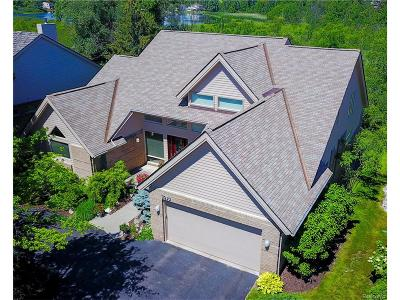 West Bloomfield, West Bloomfield Twp Condo/Townhouse For Sale: 5030 Oakbrooke Drive