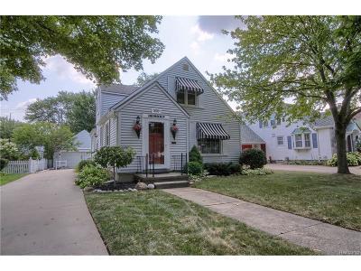 Plymouth Single Family Home For Sale: 250 Auburn Street