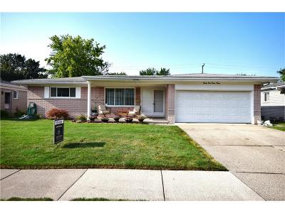 St. Clair Shores MI Single Family Home For Sale: $224,900